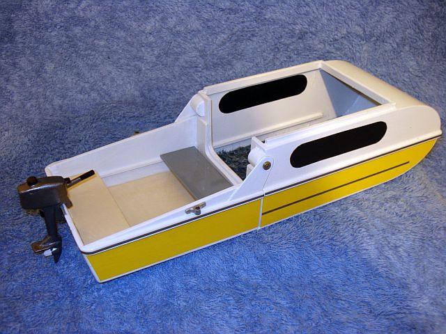 Mini Camper Cruiser In Boat Mode