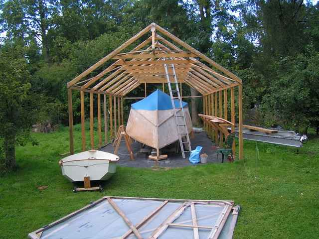 Build Simple Boat Shed